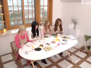 Sana offered to let everyone try her food but no one responded so she had to assure them it's okay! you won't die!!