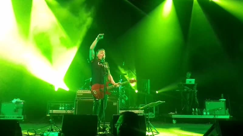 Peter Hook and the Light - She's Lost Control (2019-05-18 New Waves Day, Oberhausen)