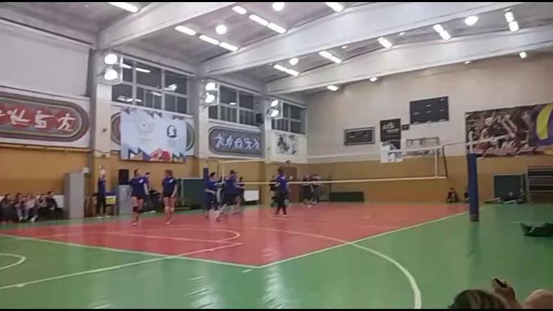 финал первенства по волейболу. девушки