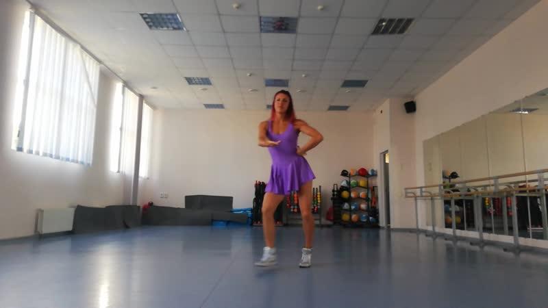 Zumba fitness® zin Viki\ FiNA ( Cumbia Urbana)