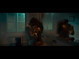 Анна мария секлуцка(anna maria sieklucka) голая грудь секс в фильме 365 дней(польша,2020)