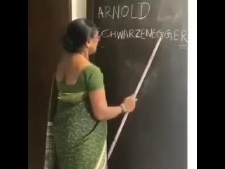 Урок английского в Индии