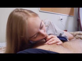 весьма зрелая показывает молодому как надо ебать ее в жопу бред, по-моему Согласен, это