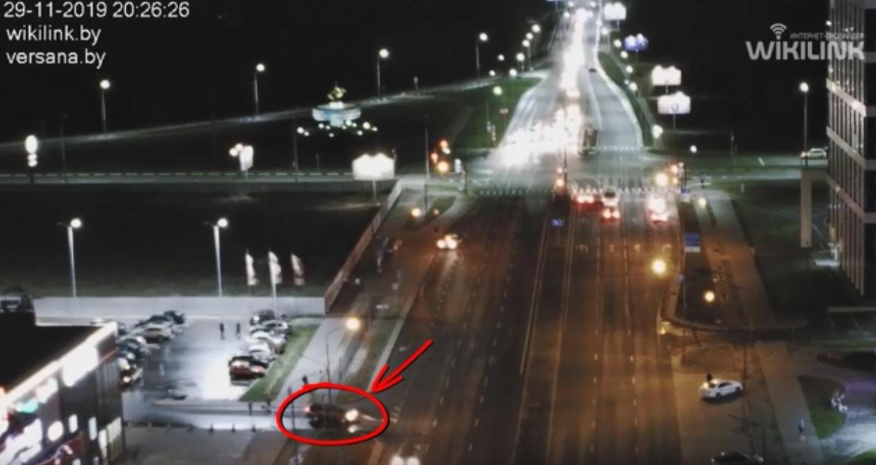 Откуда же взялся автомобиль на встречке, из-за которого произошло ДТП? А вот смотрите...