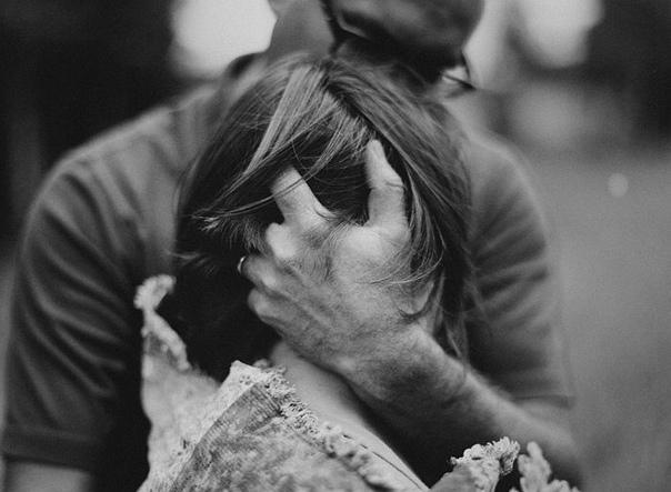 Картинки мужчина и женщина плачут