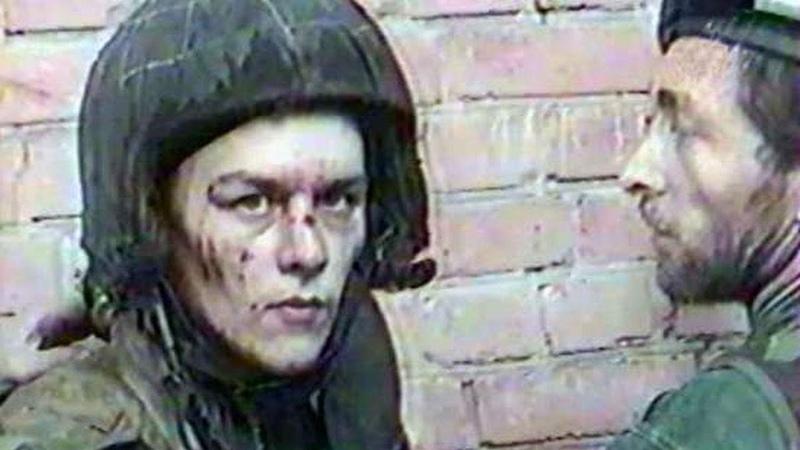 Момент пленения бойцов спецназа МВД дудаевцами во время боёв за Грозный в августе 1996 года.