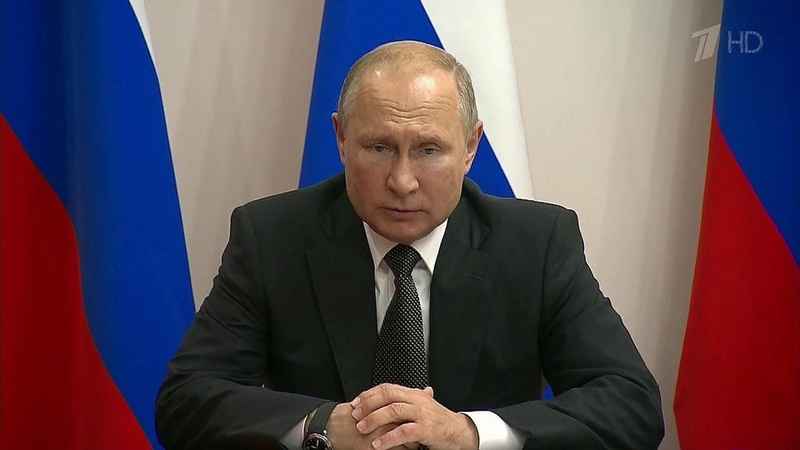 Владимир Путин подписал указ оприсвоении званий Героев России пилотам аэробуса A321 Новости Первый канал