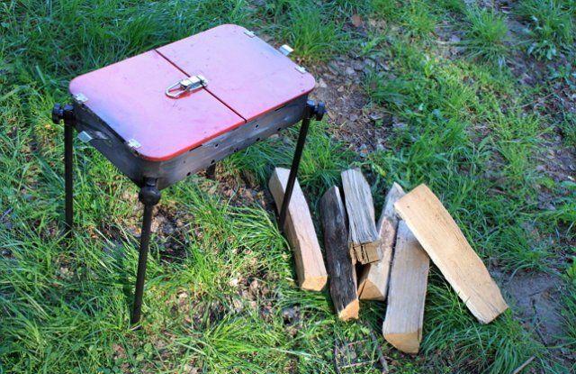 Позаботьтесь о мангале, углях или дровах заранее