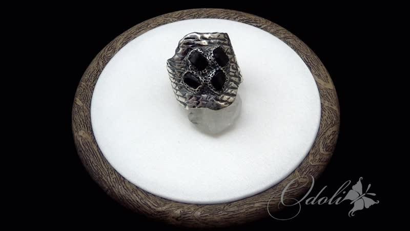 Серебряный перстень с кристаллами черного турмалина