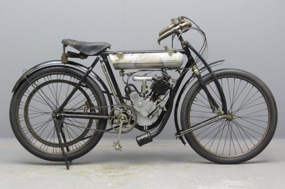 Старинный велоцикл S.I.A.M.T. Corsa 1910
