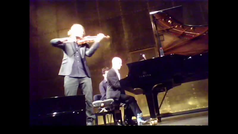 22 03 2015 Paris Champs Elysee Theatre RECITAL with Regenliedsonate Teil2