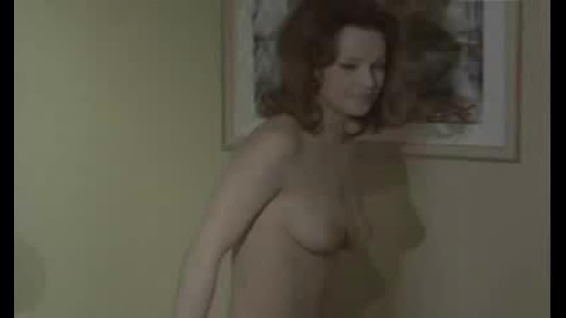 Лаура Антонелли голая - Laura Antonelli_Docteur Popaul_1_416_247