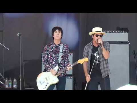 JOHNNY MARR EDDIE VEDDER There is a Light That Never Goes Out OHANA FESTIVAL (Sept 29, 2018)