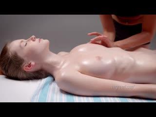 2013-08-27 Emily - Seductive Sensual Massage (aka Emily Bloom)