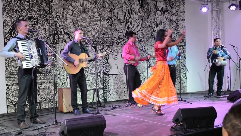 Parno Graszt: Az együttes fellépésével színesítette a Romák világnapja tiszteletére szervezett kulturális műsorunkat [2016]