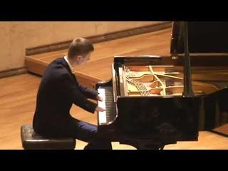 Пианист Алексей Романов из Зеленодольска