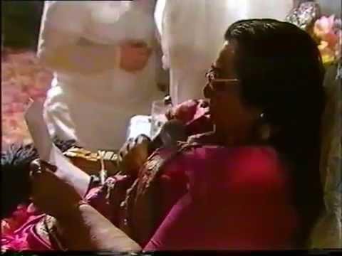 Andhar par ahe Shri Mataji translating and singing it 1990 1021 Diwali Puja Venice