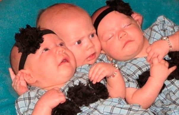 Бездетная пара усыновляет тройню, а затем получает новости, от которых просто волосы дыбом встают... ... ... ...