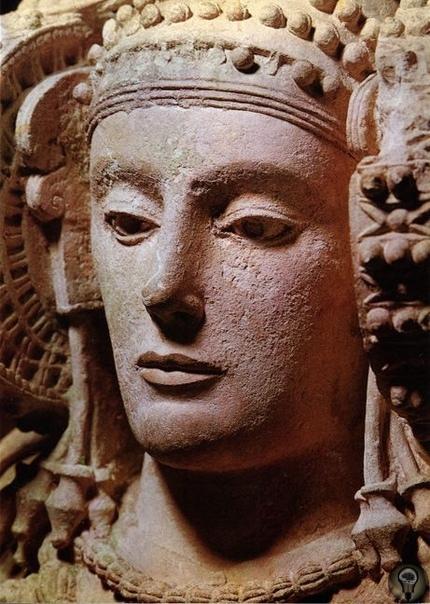 Загадка каменной скульптура из Эльче
