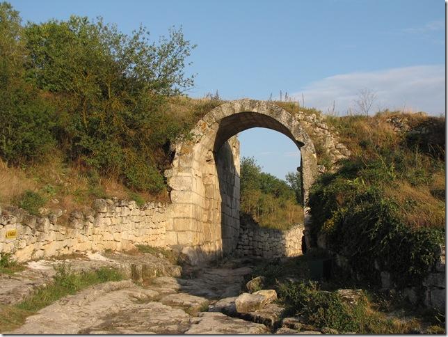 Крепостной город иудеев – Чуфут-Кале и Успенский монастырь, изображение №17