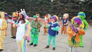 Флешмоб больничных клоунов в Омске