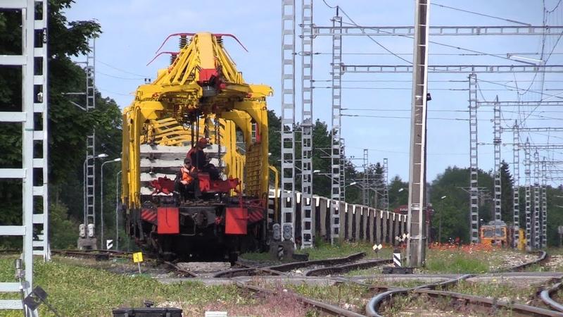 Рабочий поезд с тепловозом Ц36 7и 1511 Track repair train with GE C36 7i 1511
