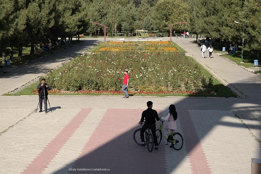 Вид на север Южного Парка, Бишкек 2019