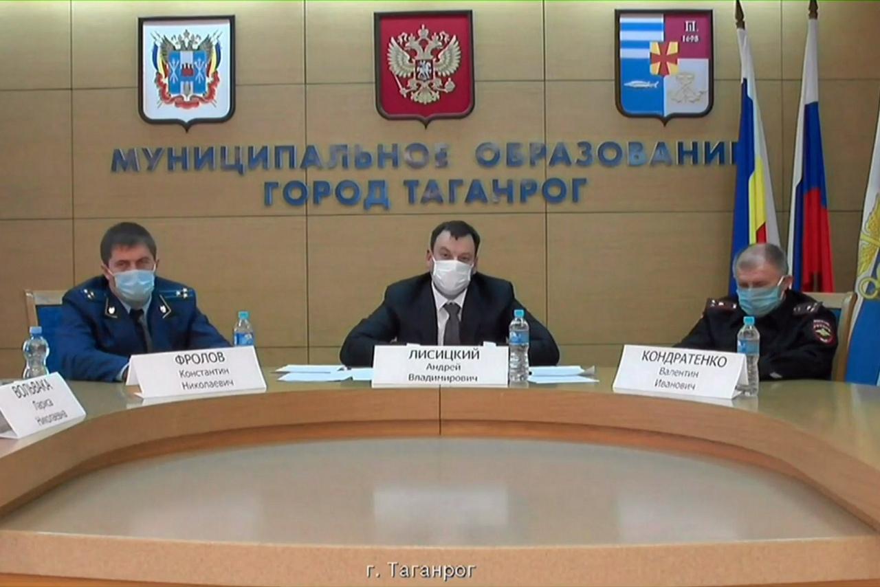 Таганрогу и еще 2 муниципалитетам выделено более 27,5 млн рублей на закупку кислородного оборудования для медучреждений