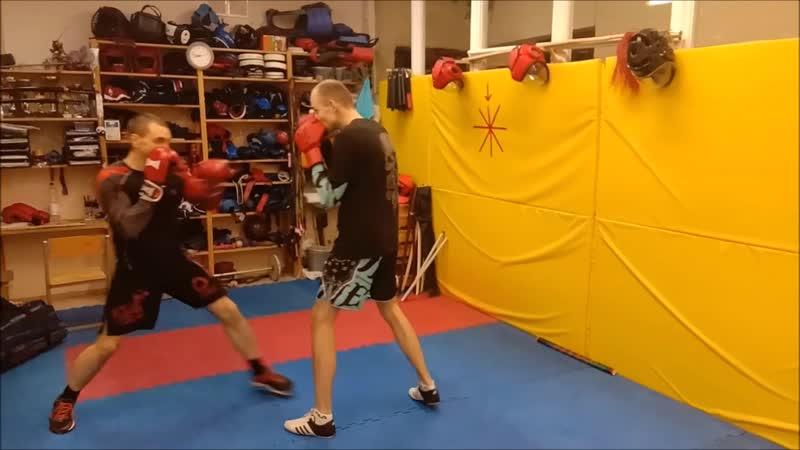 Прямой левой и защита отбивом, учебно-тренировочные бои