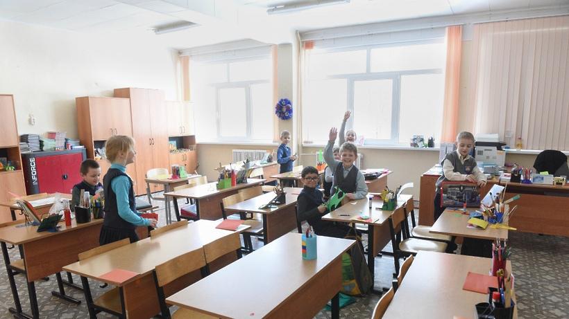 В Госдуме предложили ежегодно выплачивать родителям школьников 10 тысяч рублей