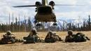 Высадка десанта на вертолетах CH-47 Chinook солдат армии США на Аляске