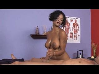 Певица Рианна (Rihanna). Голая врачиха дрочит врачу. Большие дойки и соски. Знаменитость и секс, звезда в порно. Sex and porn