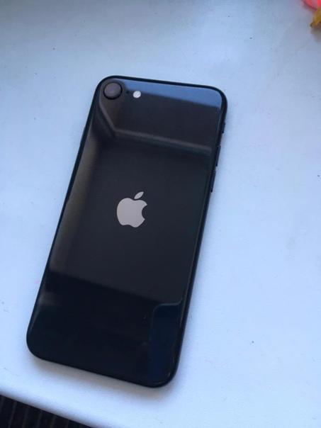 Apple iPhone SE (2020) 128 ГБ