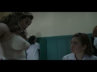 Chloe Hayward  nackt