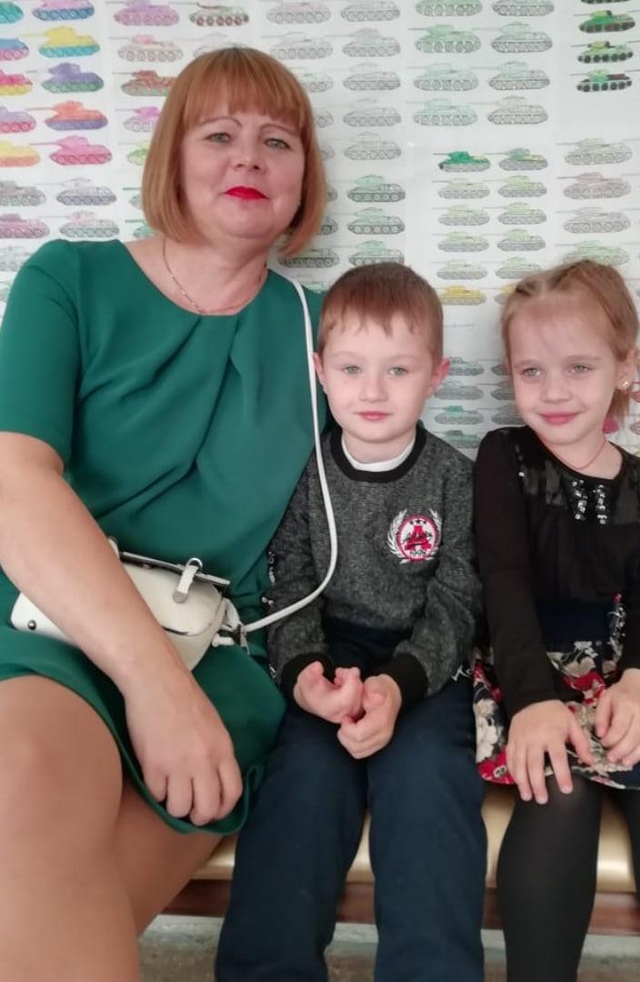 Юлия, 43, Izluchinsk
