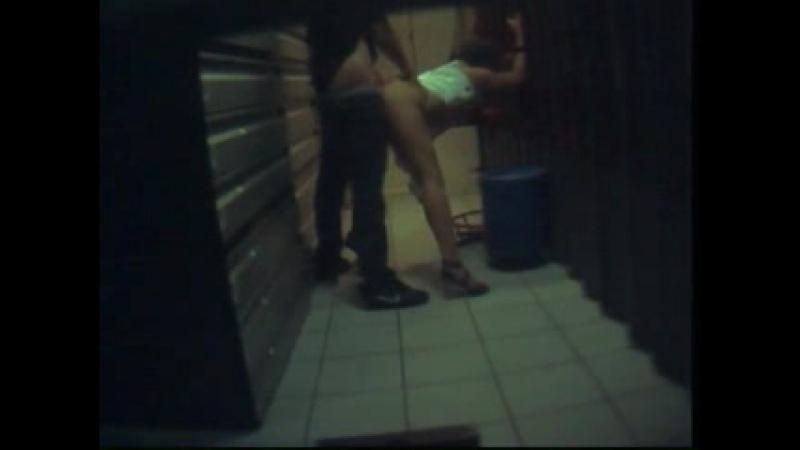 Скрытая камера, секс на работе, подсмотрено - Hidden camera sex at work captured one of the employees XXX Real SEX Video