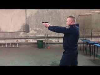 Омские следователи показали хорошие навыки обращения с огнестрельным оружием.