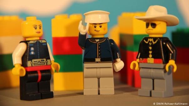LEGO учит детей вести себя в сети
