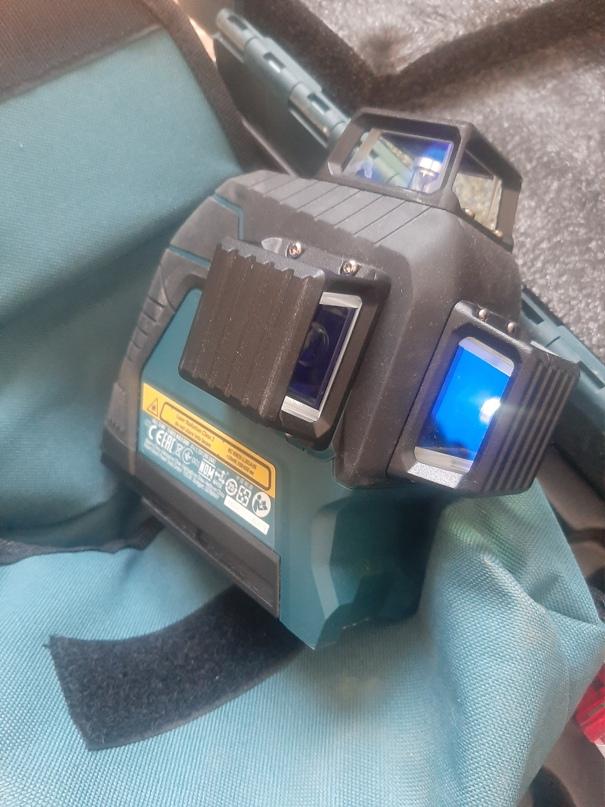 Купить лазерный уровень срочно.Дает 3 | Объявления Орска и Новотроицка №13875