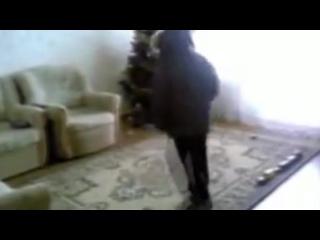 Таджик танцует под ппп тему крутой