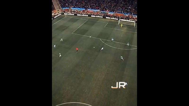 Сумасшедший гол а исполнении аргентинца Карлоса Тевеса за сборную Аргентины