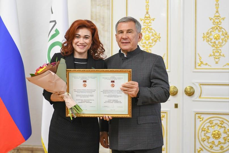 Рустам Минниханов вручил Премии за вклад в развитие институтов гражданского общества, изображение №1
