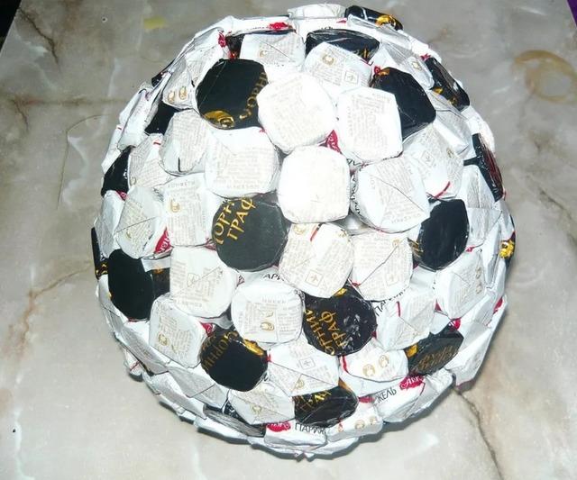 как сделать мяч из конфет своими руками мастер-класс пошагово,