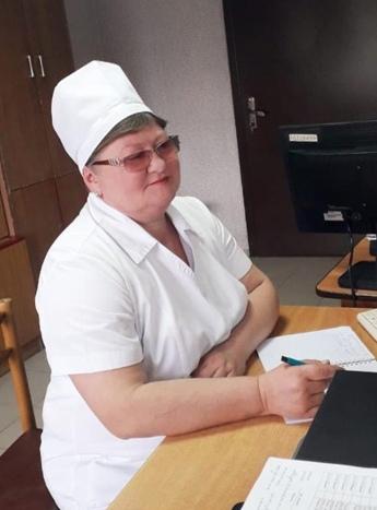 Стабровская Елена Михайловна – медицинская сестра, стаж работы 32 года.