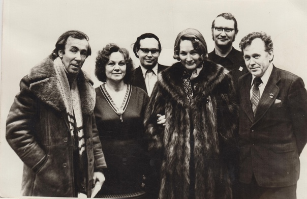 На первом фото: 1974 год в клубе на Горке актриса ...