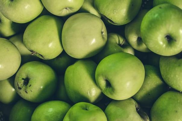 Минчанин нанял фуру, чтобы отвезти вГомель яблоки. Ноони пропали подороге