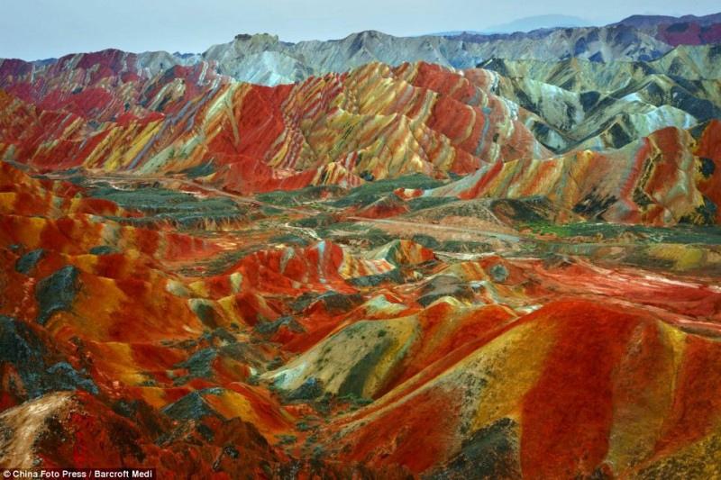 Земля один огромный древний карьер, изображение №105
