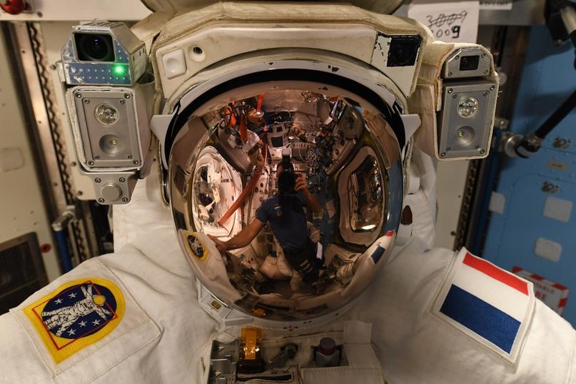 Астронавты миссии Crew-2 - Шейн Кимбро (NASA) и Тома Песке (ESA) сегодня проведу...