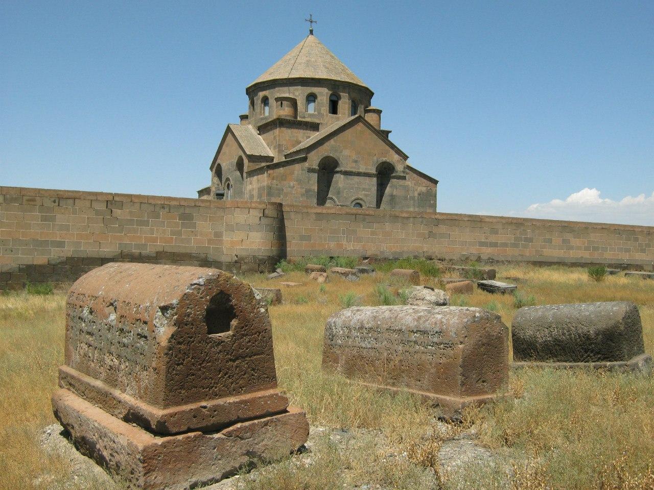 5 древних храмов в Эчмиадзине.