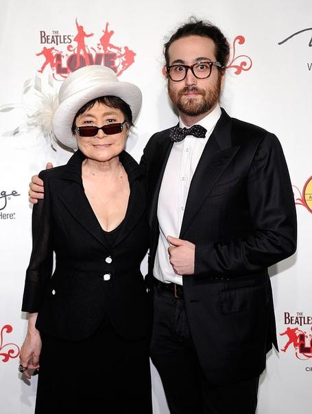 Убийца Джона Леннона извинился перед его вдовой Йоко Оно спустя 40 лет после совершенного преступления